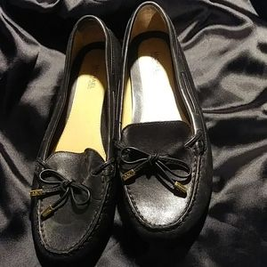 MICHAEL KORS BLACK LEATHER LOAFERS